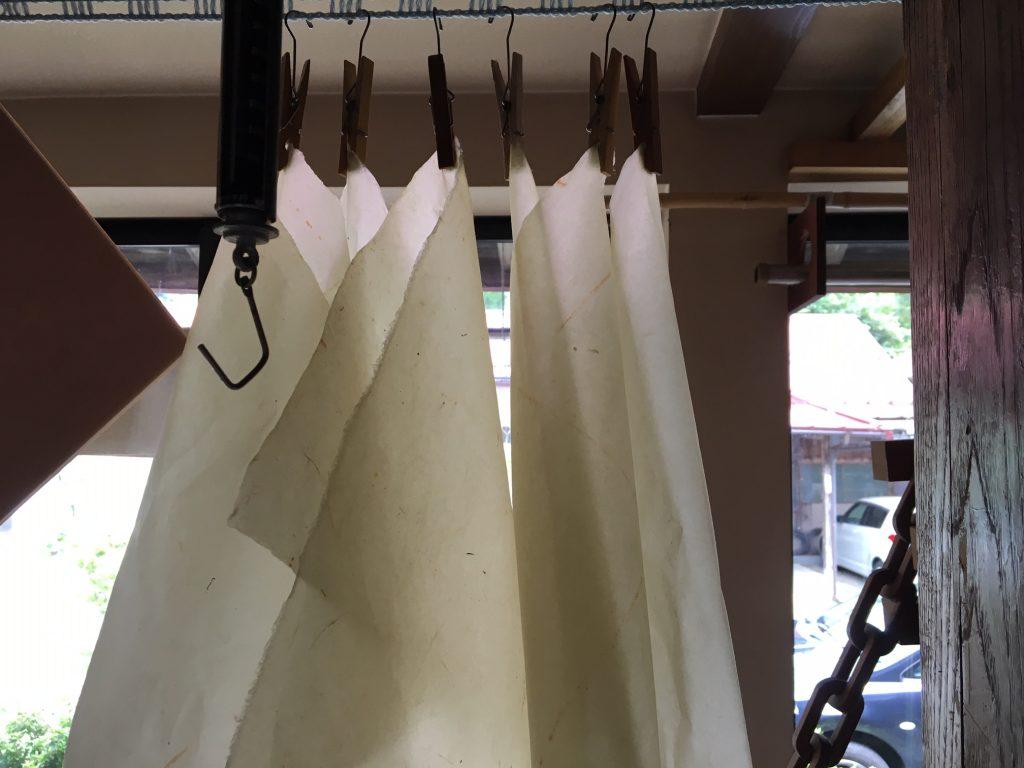手すき和紙工房潮紙の和紙